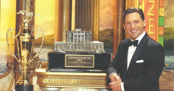 Captain Miscavige presents the last org to be awarded SH Size -- Joburg Day, March 2005