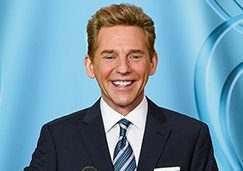 Scientology-Atlanta-Opening-David-Miscavige-at-Podium_02C9768