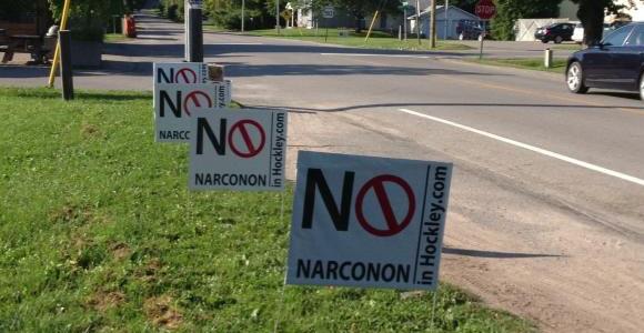 no-narconon-in-hockley-yard-signs