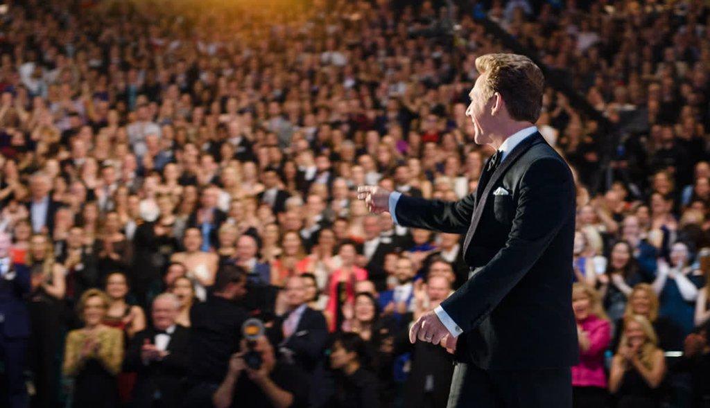 Scientology white crowd